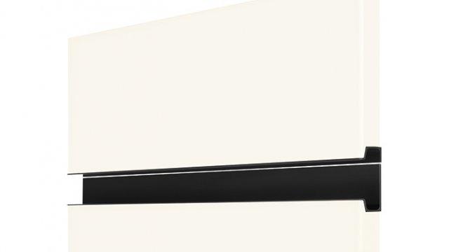 240 Ручка металлическая, чёрная